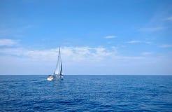 Πλέοντας βάρκα στοκ εικόνες