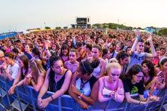 Πλήθος σε μια συναυλία FIB στο φεστιβάλ στοκ εικόνα