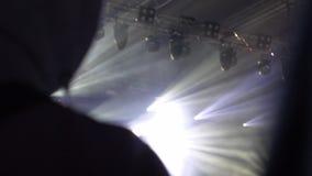 Πλήθος των ανθρώπων σε μια συναυλία απόθεμα βίντεο
