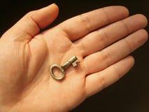 πλήκτρο χεριών Στοκ εικόνες με δικαίωμα ελεύθερης χρήσης