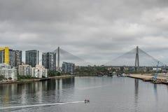 Πλήρης γέφυρα ANZAC στο πίσω λιμάνι, Σίδνεϊ Αυστραλία Στοκ Φωτογραφία
