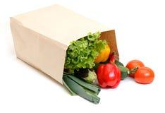 πλήρη λαχανικά παντοπωλείων τσαντών Στοκ Εικόνες