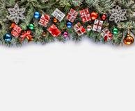 2019, πλαίσιο Χριστουγέννων, κλάδοι Χριστουγέννων, ντεκόρ Χριστουγέννων, πίτουρο Στοκ Εικόνες