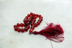 Πλαισιωμένο κόκκινο rosary Στοκ εικόνες με δικαίωμα ελεύθερης χρήσης