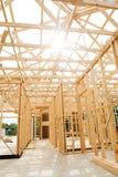 πλαισιώνοντας σπίτι κατασκευής νέο Στοκ φωτογραφία με δικαίωμα ελεύθερης χρήσης