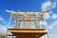 πλαισιώνοντας σπίτι κατασκευής νέο Στοκ Εικόνα