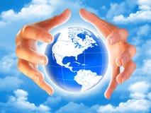 πλανήτης γήινων χεριών Στοκ εικόνα με δικαίωμα ελεύθερης χρήσης