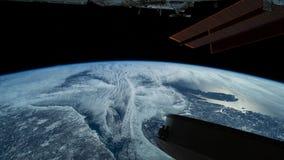 Πλανήτης Γη που βλέπει από το ISS Εξερεύνηση του διαστήματος του πλανήτη Γη τη νύχτα r φιλμ μικρού μήκους