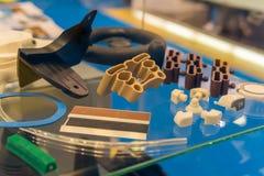 Πλαστικά και λαστιχένια μέρη της αυτοκίνητης κατασκευής από την έγχυση φορμών υψηλής ακρίβειας στο βιομηχανικό εργοστάσιο στοκ εικόνα με δικαίωμα ελεύθερης χρήσης