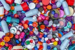πλαστικά καλύμματα Ανακύκλωση, περιβάλλον, οικολογία στοκ εικόνα