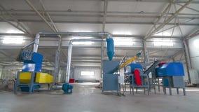 Πλαστικά μόρια για την ανακύκλωση σε μια μηχανή σε μια δυνατότητα ανακύκλωσης φιλμ μικρού μήκους