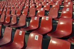 πλαστικό κόκκινο εδρών Στοκ Εικόνες