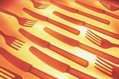 πλαστικό μαχαιριών δικράνω& Στοκ φωτογραφία με δικαίωμα ελεύθερης χρήσης