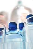 πλαστικό ύδωρ μπουκαλιών Στοκ φωτογραφία με δικαίωμα ελεύθερης χρήσης