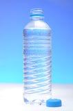 πλαστικό ύδωρ μπουκαλιών Στοκ φωτογραφίες με δικαίωμα ελεύθερης χρήσης