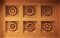 Πλαστό γλυπτό λουλουδιών στοκ εικόνες με δικαίωμα ελεύθερης χρήσης