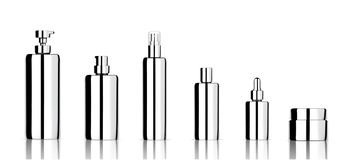 Πλαστό επάνω ρεαλιστικό μεταλλικό καλλυντικό σαπούνι, σαμπουάν, κρέμα, Dropper πετρελαίου και μπουκάλια ψεκασμού που τίθενται για ελεύθερη απεικόνιση δικαιώματος