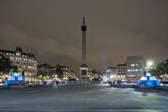 Πλατεία Τραφάλγκαρ και στήλη του Nelson το βράδυ. Στοκ Φωτογραφία