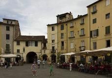 Πλατεία Anfiteatro πλατειών Lucca Στοκ φωτογραφία με δικαίωμα ελεύθερης χρήσης