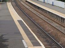 Πλατφόρμα σιδηροδρομικών σταθμών Στοκ Φωτογραφίες