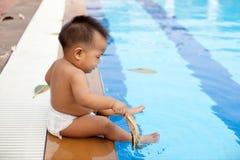 Πλευρά συνεδρίασης μωρών της λίμνης Στοκ φωτογραφία με δικαίωμα ελεύθερης χρήσης