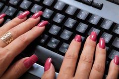 πληκτρολόγιο δάχτυλων Στοκ φωτογραφίες με δικαίωμα ελεύθερης χρήσης