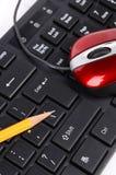 Πληκτρολόγιο, ποντίκι και μολύβι υπολογιστών Στοκ Εικόνες