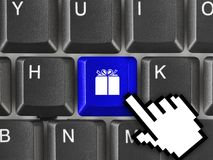 Πληκτρολόγιο υπολογιστών με το πλήκτρο δώρων Στοκ φωτογραφία με δικαίωμα ελεύθερης χρήσης