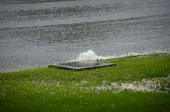 Πλημμυρίζοντας αγωγός στοκ εικόνες
