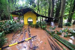 Πλημμυρισμένο σπίτι στην Τζακάρτα στοκ φωτογραφίες