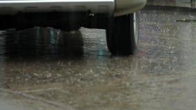Πλημμύρα στο δρόμο απόθεμα βίντεο
