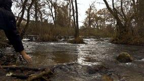 Πλημμύρα του άγριου ποταμού φιλμ μικρού μήκους