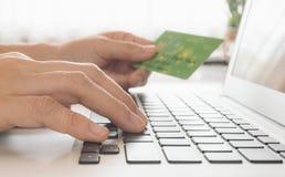 Πληρωμές on-line στοκ εικόνες
