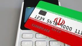 Πληρωμή ή POS τερματικό με την πιστωτική κάρτα που χαρακτηρίζει τη σημαία του Ιράν Ιρανικό λιανικό εμπόριο ή τραπεζικό σύστημα εν απόθεμα βίντεο