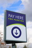 Πληρώστε εδώ για το χώρο στάθμευσης Στοκ φωτογραφίες με δικαίωμα ελεύθερης χρήσης