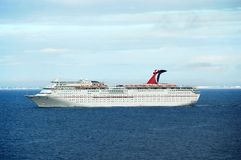 πλησιάζοντας σκάφος λιμέ&n Στοκ εικόνα με δικαίωμα ελεύθερης χρήσης
