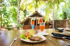 Πλούσια μεσημεριανά γεύματα μεσημεριανού γεύματος Στοκ εικόνες με δικαίωμα ελεύθερης χρήσης
