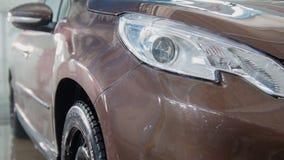 Πλυμένα φω'τα αυτοκινήτων σε ένα πλύσιμο αυτοκινήτων Στοκ εικόνες με δικαίωμα ελεύθερης χρήσης