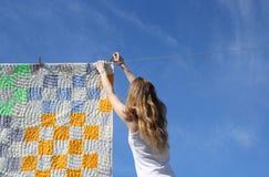 πλυντήριο κοριτσιών μακρυμάλλες Στοκ φωτογραφίες με δικαίωμα ελεύθερης χρήσης