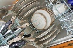 πλυντήριο πιάτων που φορτώ&n Στοκ Εικόνα