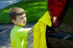 πλύση παιδιών αυτοκινήτων στοκ φωτογραφία