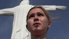 Πνευματική και θρησκευτική γυναίκα απόθεμα βίντεο