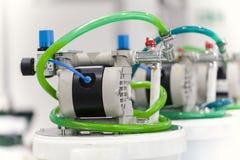 Πνευματική μονάδα εμβόλων στη βιομηχανική μηχανή Στοκ εικόνες με δικαίωμα ελεύθερης χρήσης