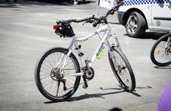 Ποδήλατο για την περίπολο ποδηλάτων αστυνομικής δύναμης της Νότιας Νέας Ουαλίας σε περίπτωση φεστιβάλ γύρων του Σίδνεϊ στη θέση τ στοκ φωτογραφίες