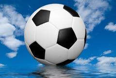 ποδόσφαιρο αντανάκλαση&sigmaf Στοκ Φωτογραφίες