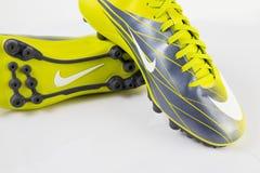 Ποδόσφαιρο πάνινων παπουτσιών της Nike Στοκ φωτογραφία με δικαίωμα ελεύθερης χρήσης