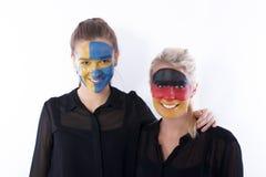 ποδόσφαιρο φίλων ποδοσφαίρου ανεμιστήρων Στοκ Εικόνες