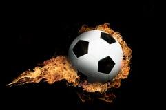 ποδόσφαιρο φλογών σφαιρώ&nu Στοκ Φωτογραφία