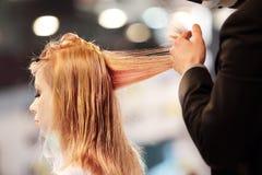 ΠΟΖΝΑΝ - 26 ΑΠΡΙΛΊΟΥ: Φανείτε φόρουμ Πόζναν το 2014 μόδας ομορφιάς Στοκ φωτογραφία με δικαίωμα ελεύθερης χρήσης