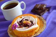 Ποικίλα γλυκά για το τσάι στοκ φωτογραφίες